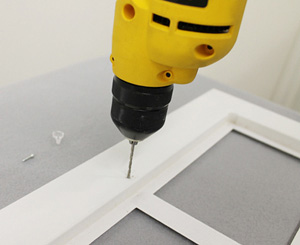 Pre-drilling holes for the cabinet clips screws